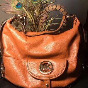 Gorgeous Michael Kors Leather Handbag 👜